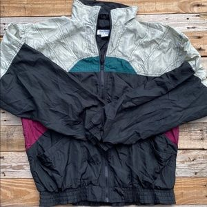 Vintage Black Burgundy Windbreaker Size Medium